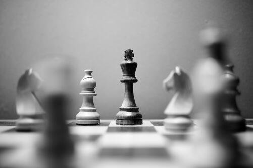 monochrome-photo-of-wooden-chess-pieces-4120299