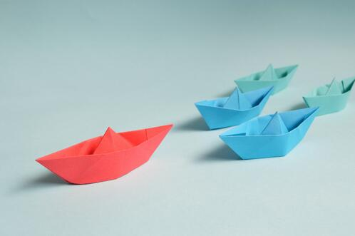 paper-boats-on-solid-surface-194094